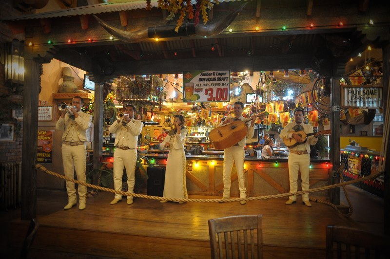 Entertainment – Garduno's restaurant in New Mexico lure their customers through music and a bit of fun